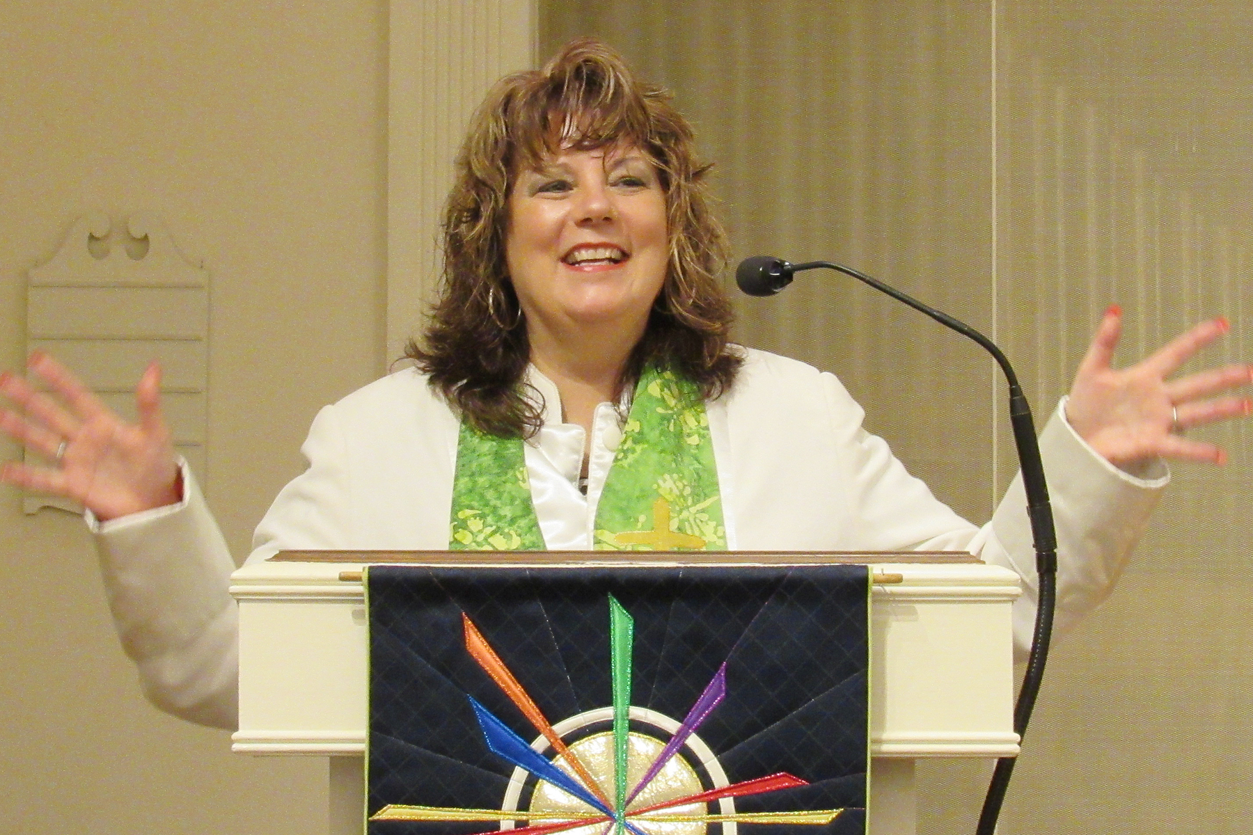 photo of Rev. Christina Blake preaching